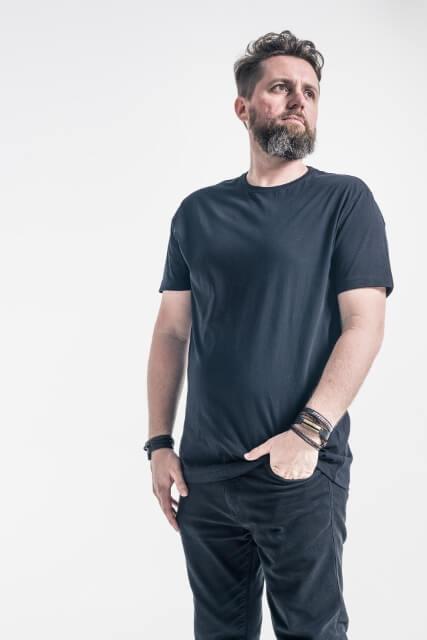 Romulo Carvalho foto de estúdio